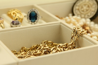 image of jewelry in jewelry box